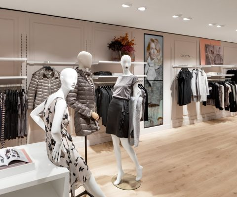 tailor's mannequins in fashion for woman in a modern fashion store